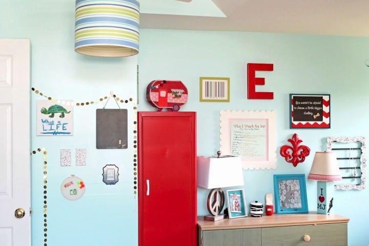 Tween bedroom gallery wall after