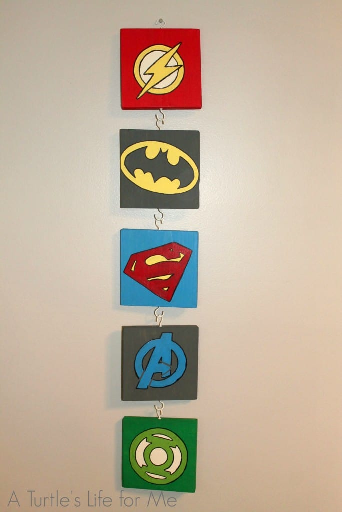 DIY Superhero wood wall hanging