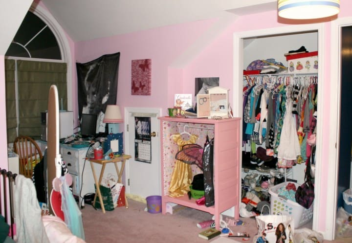 tween pink bedroom closet before