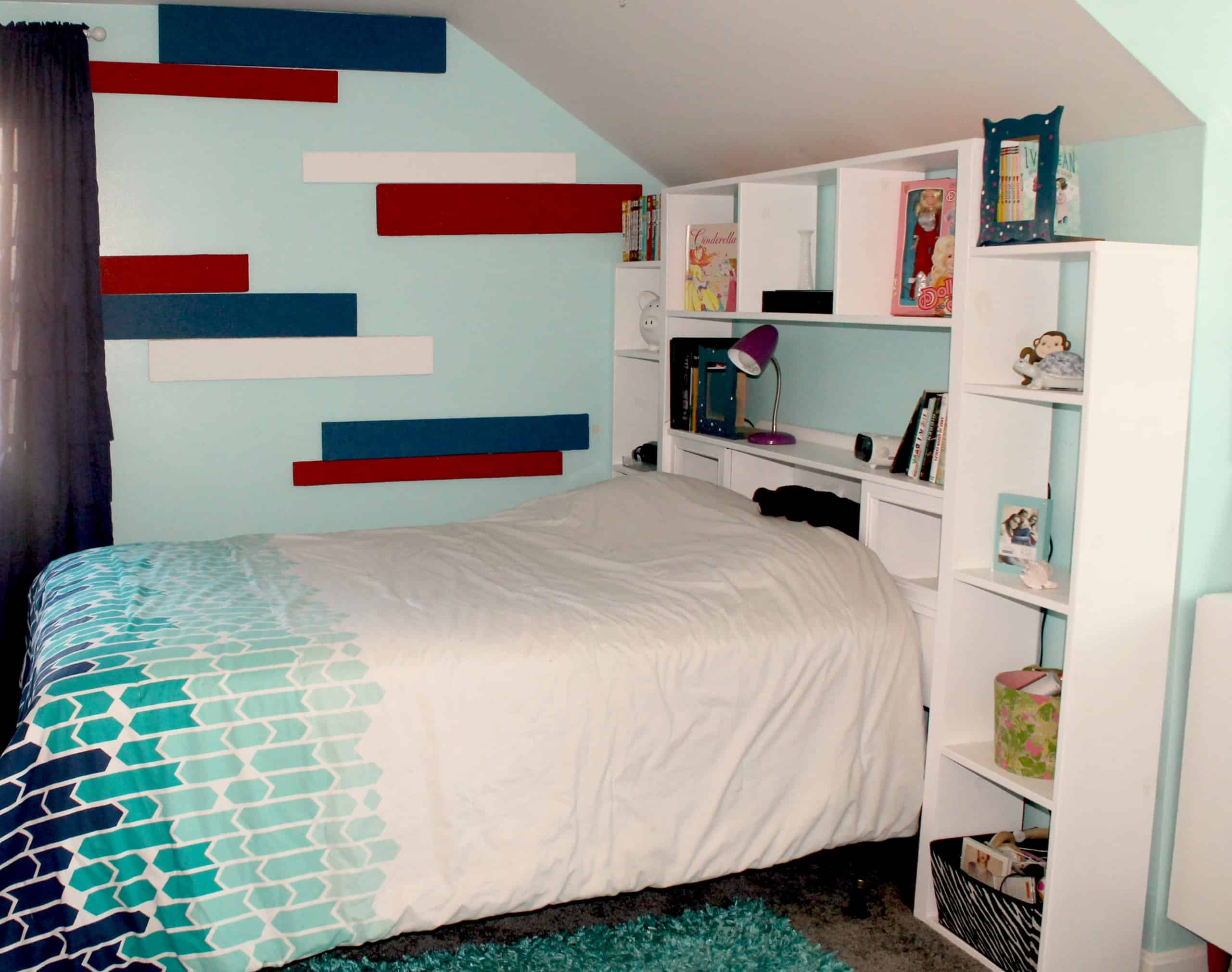 Striped wall using styrofoam