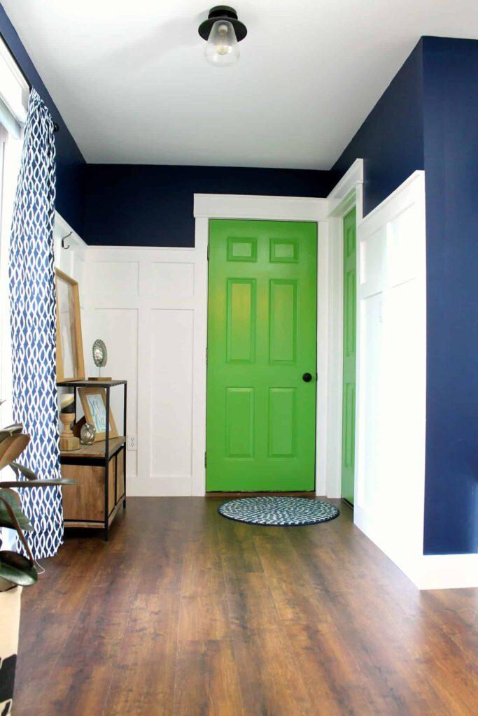 mudroom-garage-door-after-renovation