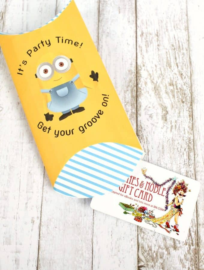 free-gift-card-holder-with-a-minions-design