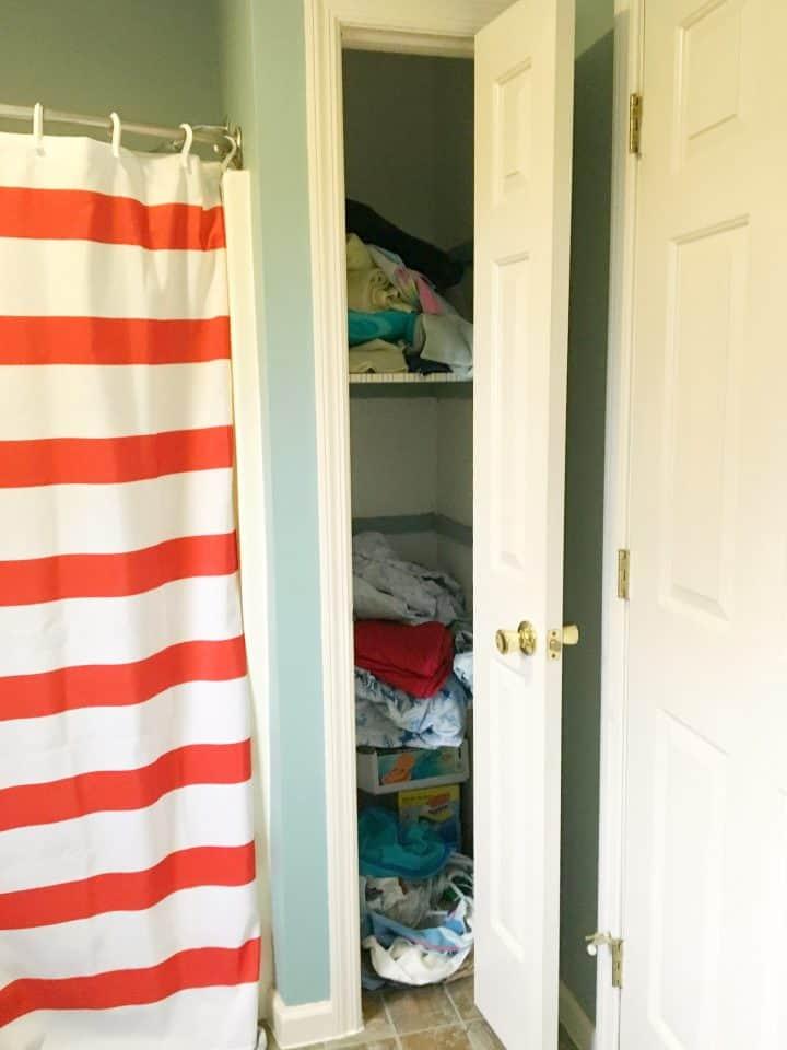 linen-closet-before