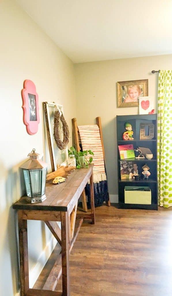DIY Wood Farmhouse console table_