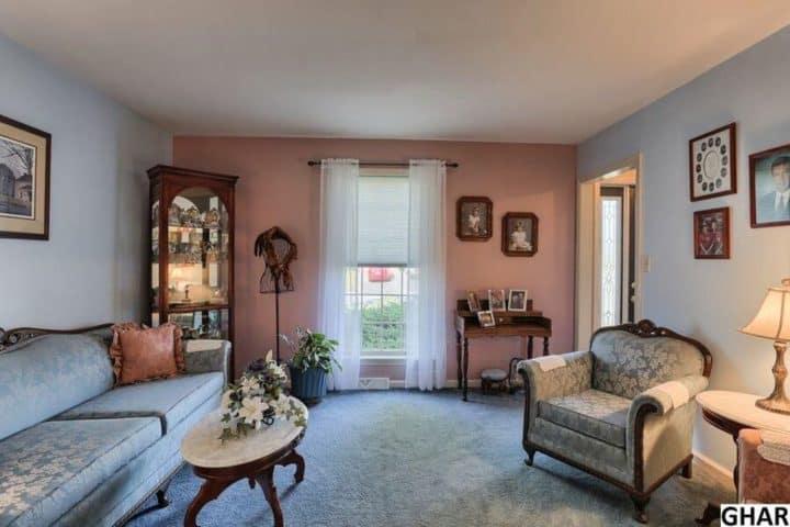 formal victorian living room