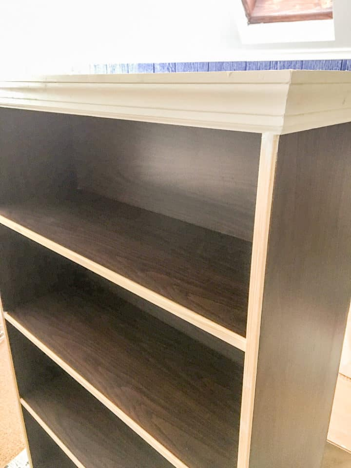 how add moulding to a laminate bookshelf to make it look built in