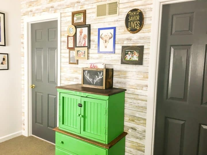 How to decorate a landing with paint_