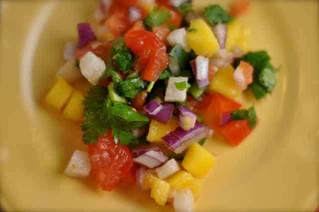 Chachos mango Salsa