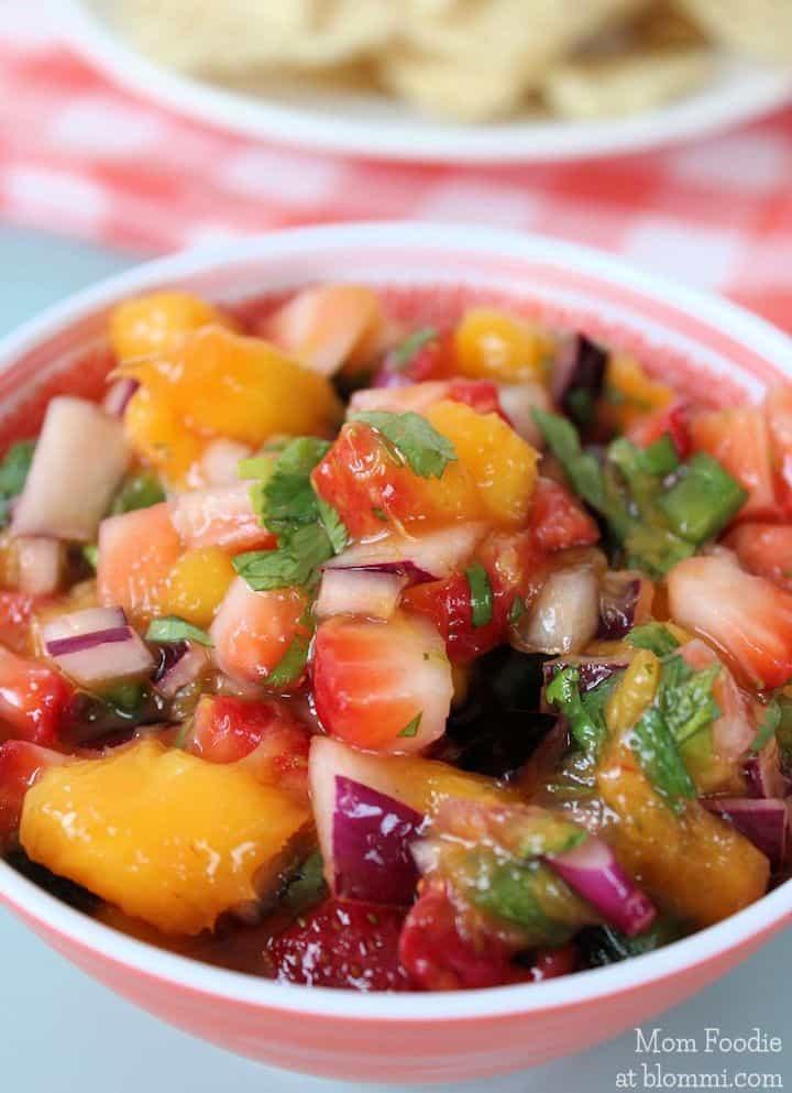 Strawverry mango Salsa