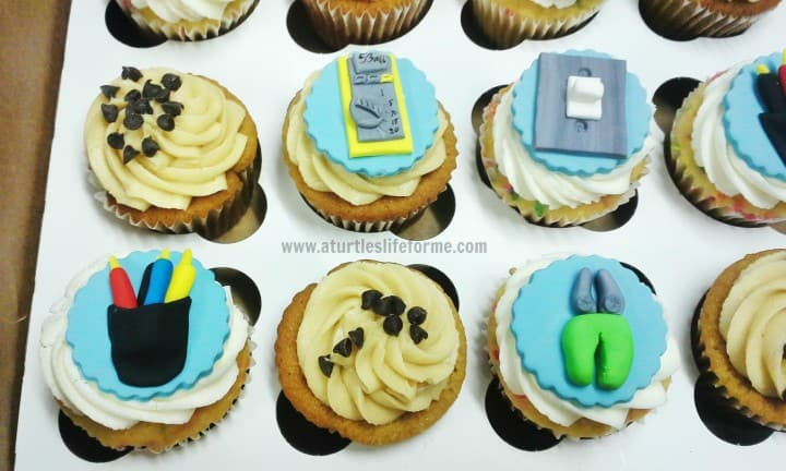 electric electrician birthday fondant topper cupcakes 1