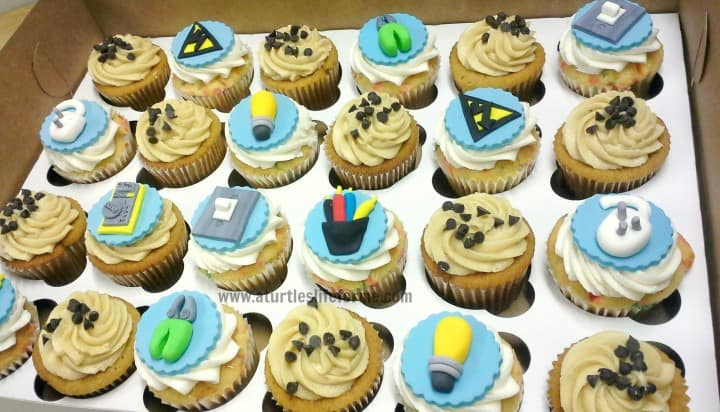 electrician electric fondant toppers birthday cupcakes 1