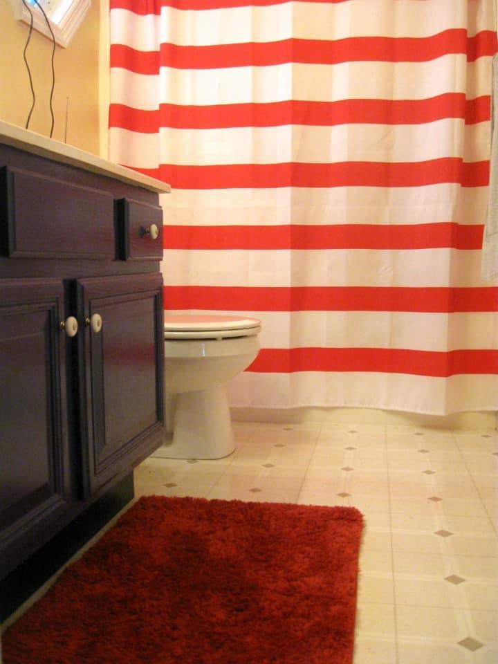 kids bathroom nautical red white stripe