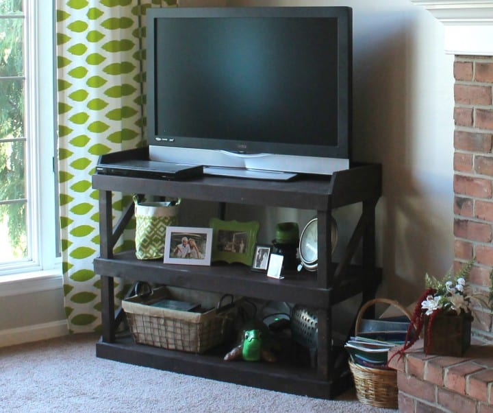 DIY TV stand that you can make in just a couple hours!