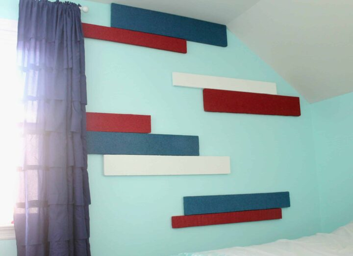 DIY Striped walls using styrofoam for a 3D effect!