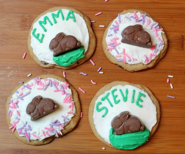 Easter bunny cookies that can be personalized for placecards