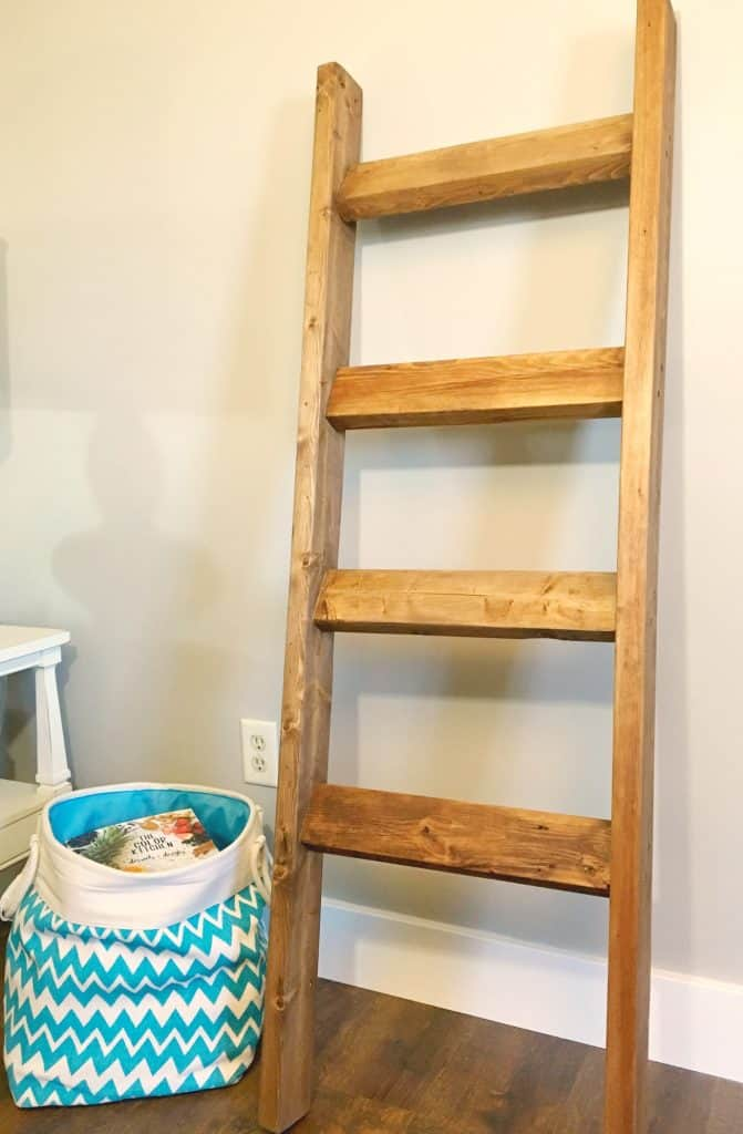 blanket-ladder-from-2x4s