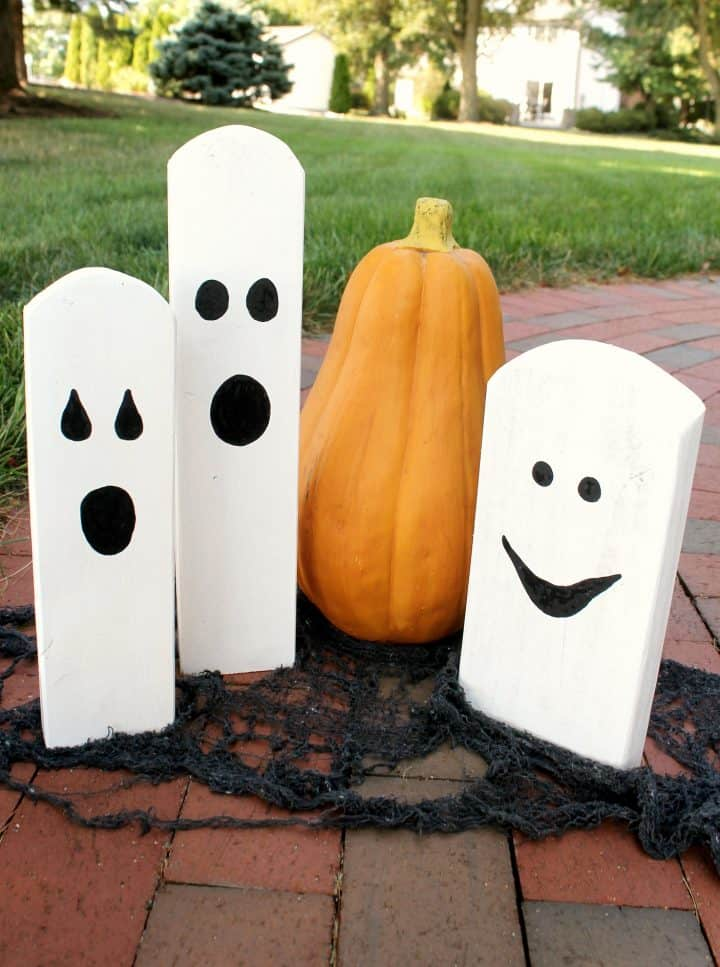wood scrap halloween ghosts