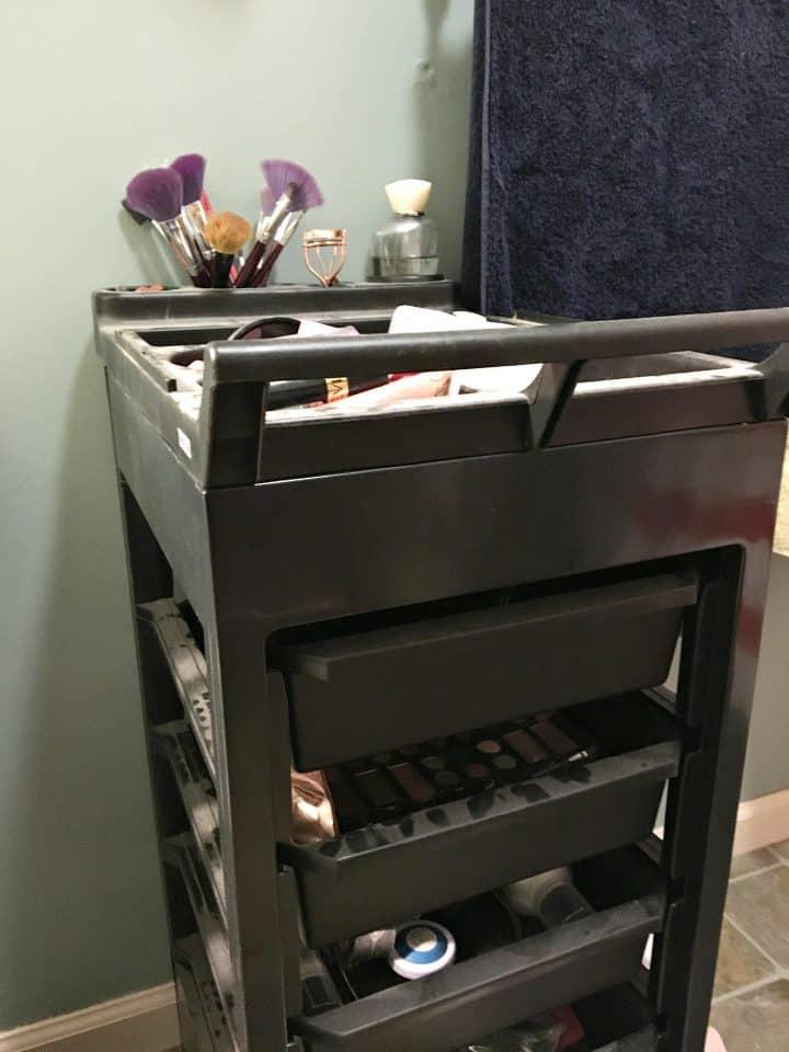 beauty-salon-makeup-cart