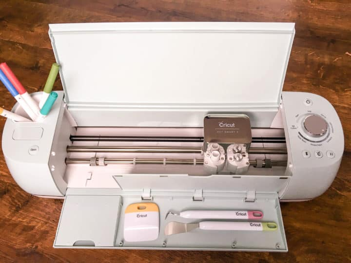 Cricut Explore Air machine with tools