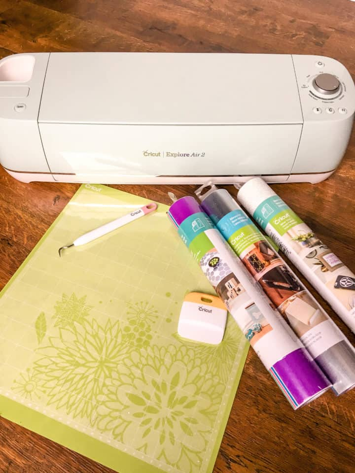 Cricut Explore Air machine with vinyl