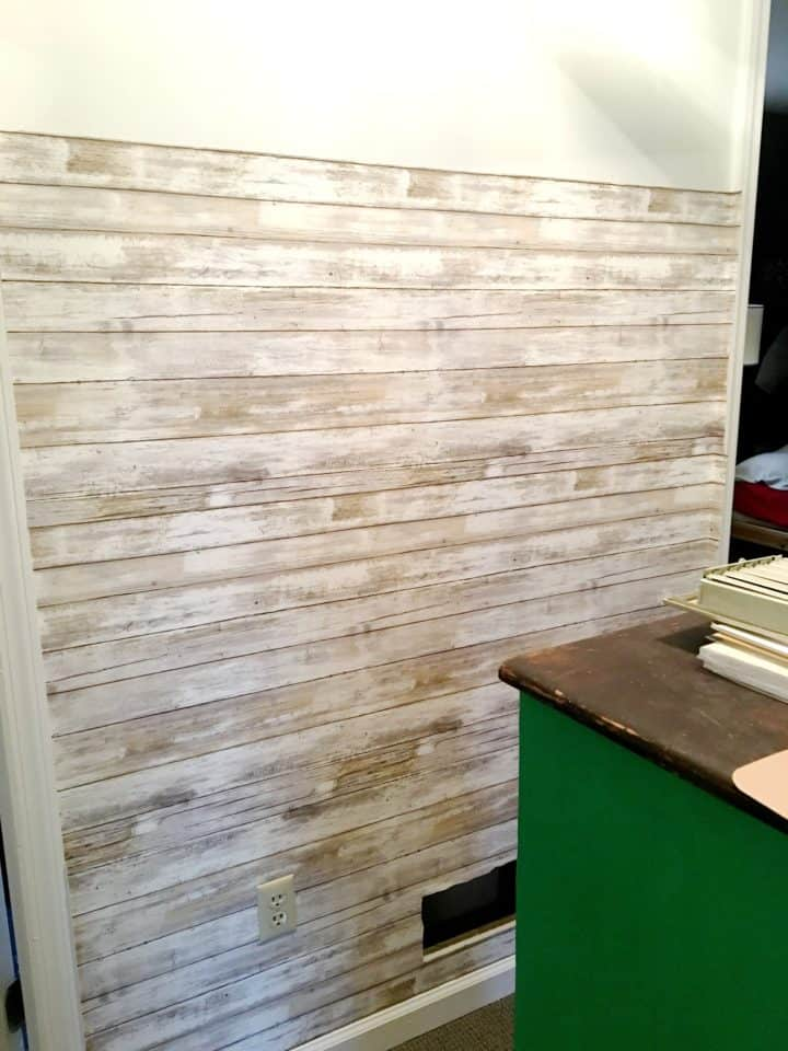 how to apply removable wallpaper