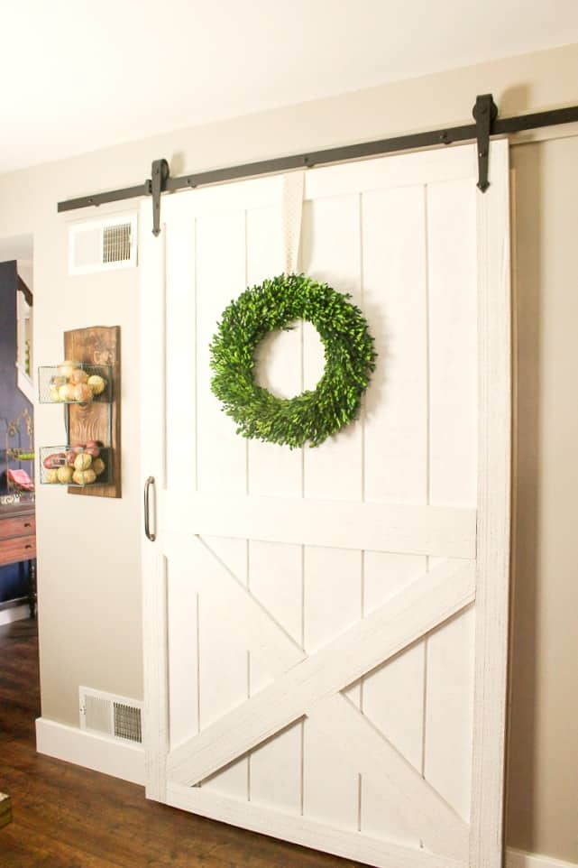 how to DIY farmhouse barn door