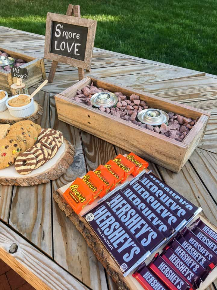 how to build a s'mores bar
