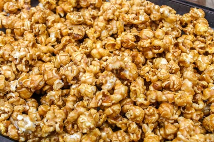 how to make Moose Munch caramel popcorn recipe