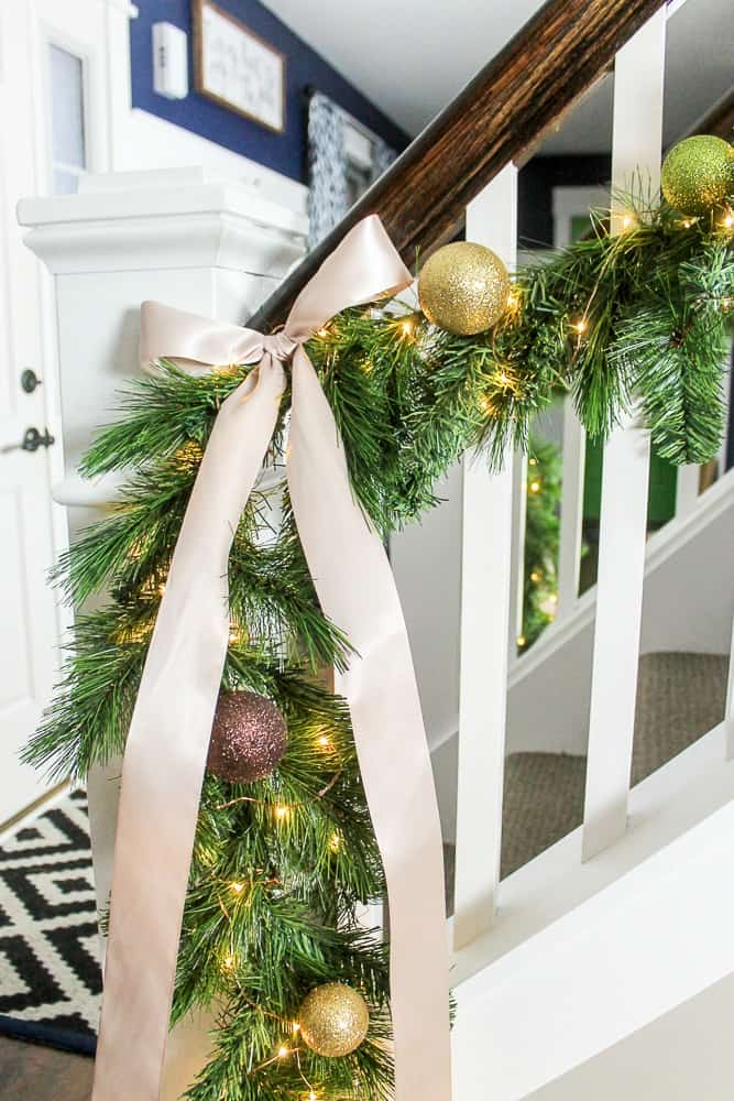 how to make evergreen garland with light