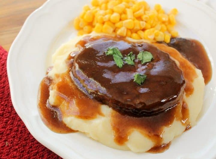 salisbury steak dinner with gravy mashed potatoes
