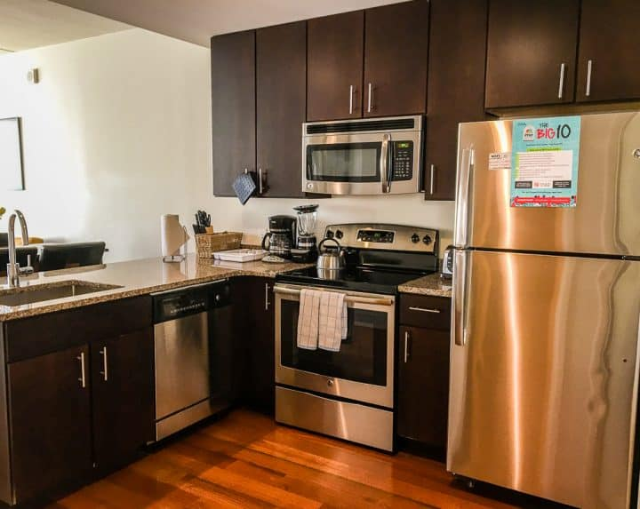 Philadelphia Rittenhouse Square Homeaway vacation rental equipped kitchen