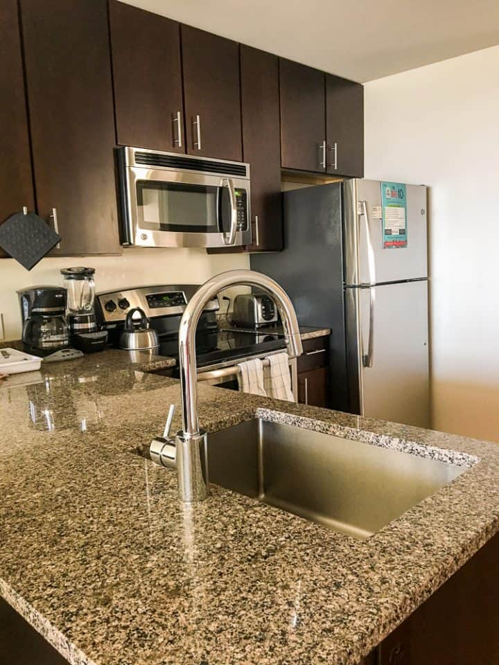 Philadelphia Rittenhouse Square Homeaway vacation rental kitchen