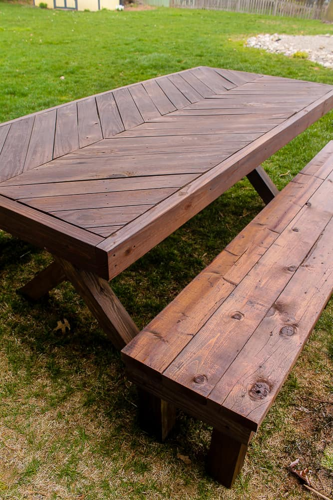 How to Stain a herringbone Picnic table and benches