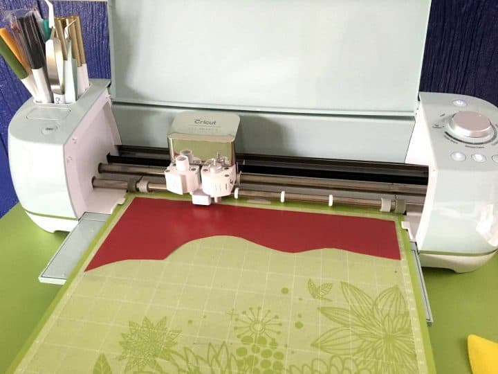 How to use scraps of Cricut vinyl