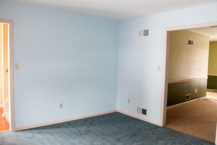 front living room before opening staircase
