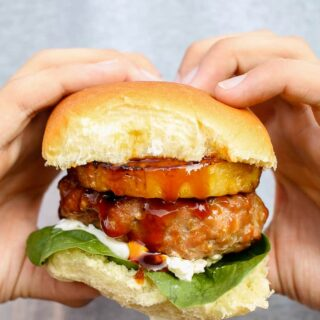 Asian grilled pork burgers with pineapple slices