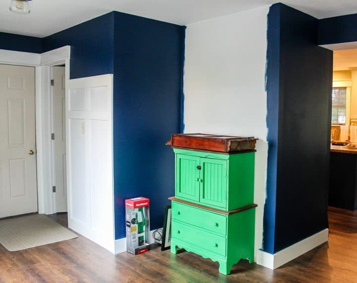 How to build a mudroom coat bench