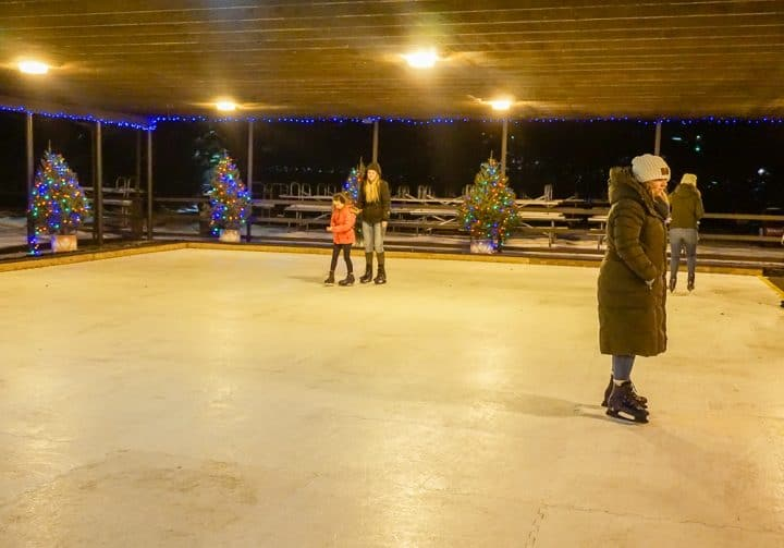 Christmas Candylane at Hersheypark ice skating rink
