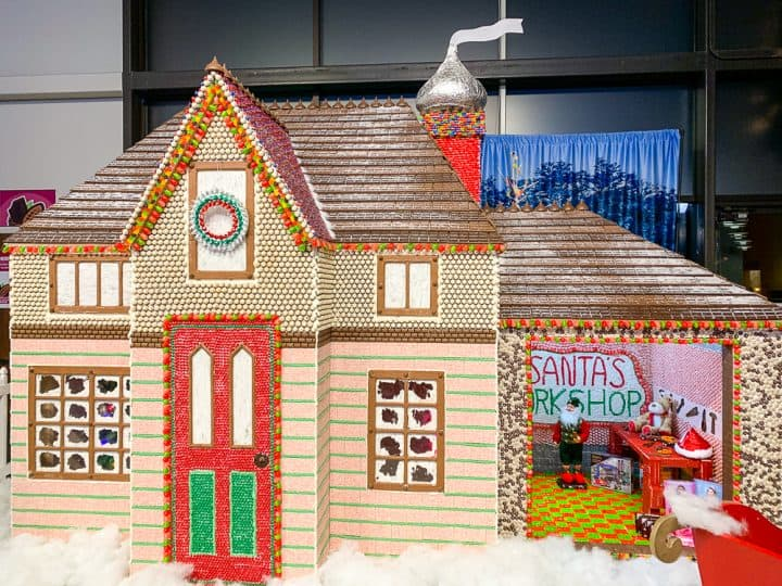 Chocolate World Christmas Gingerbread Candy House Display