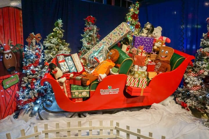 Christmas Candylane at Hersheypark holiday displays