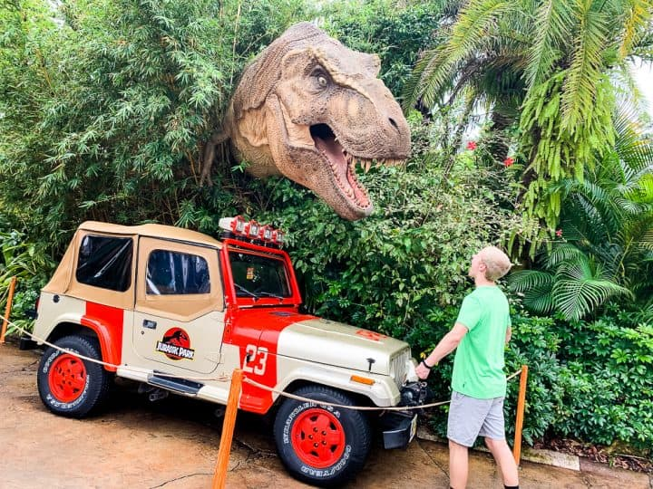 dinosaur and jeep from Jurassic Park at Universal Studios Florida