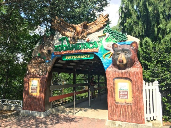 entrance arch to ZooAmerica